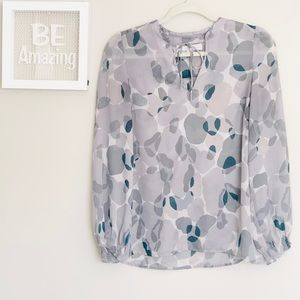 LOFT ANN Taylor Grey Spotted Vneck Bow Tie Top
